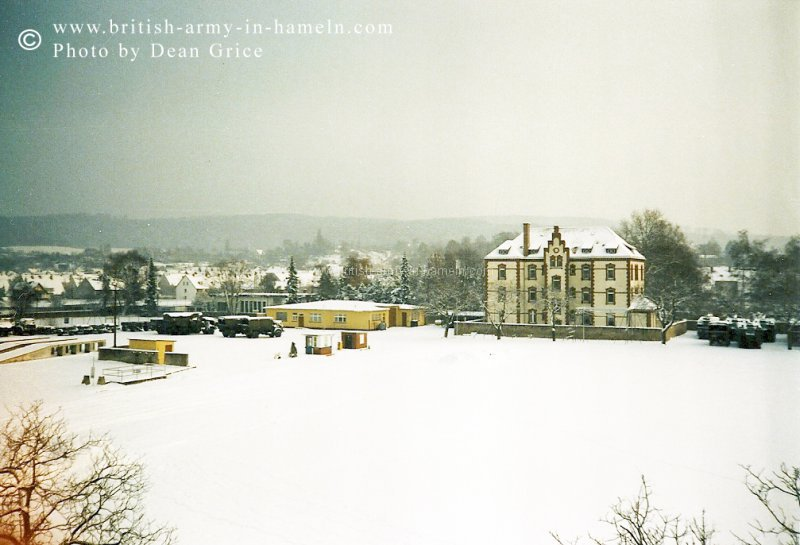 1985 this-is-the-view-from-my-barrack-room-window-binden-barracks-scharnhorst-kasserne28-amphibious-engineer-regiment-royal-engineers-dec-1985.jpg