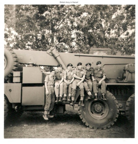 29-fld-sqn-ex-rhine-wine-24-aug-1965-pals-on-us-crane