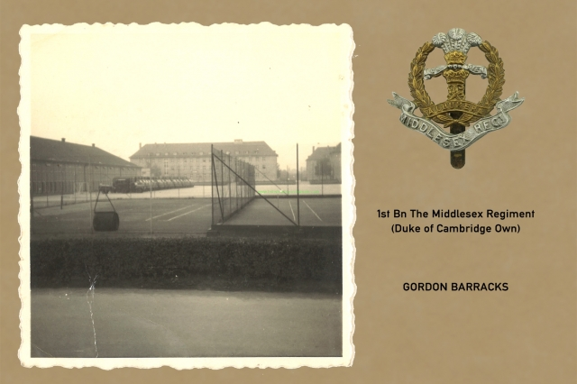 1961_08_15-b_hedges_gordon_barracks_005