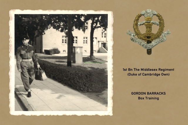 1961_08_15-b_hedges_gordon_barracks_009