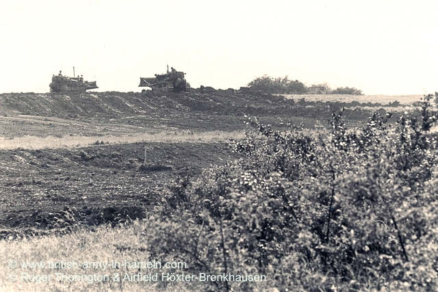 1974-75-65-css-building-the-hoexter-airfield-by-thorington-00009