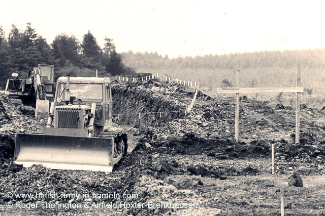 1974-75-65-css-building-the-hoexter-airfield-by-thorington-00009a