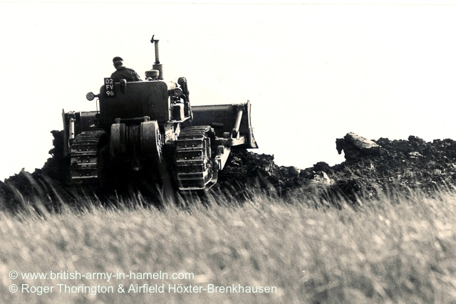 1974-75-65-css-building-the-hoexter-airfield-by-thorington-00022