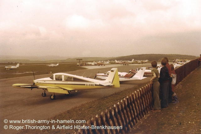 1974-75-65-css-building-the-hoexter-airfield-by-thorington-00031
