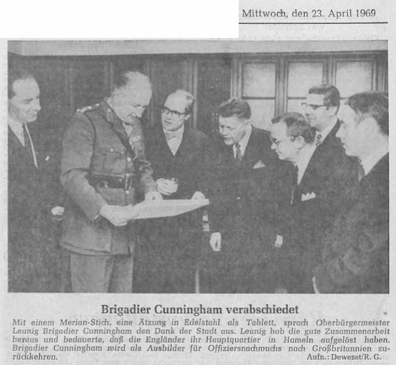 1969_04_23 Brigadier Cunningham verabschiedet sich GErhard Fricke